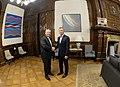 Mauricio Macri recibe al presidente electo Alberto Fernández 01.jpg