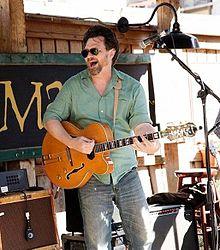 tom maxwell singer wikipedia