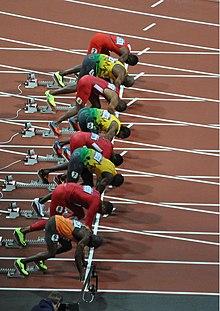 Yohan Blake (5ª corsia) sui blocchi di partenza della finale dei 100 metri piani dei Giochi olimpici di Londra 2012