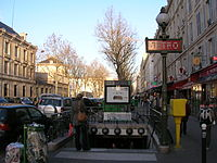 Metro 1 Reuilly - Diderot ext.JPG