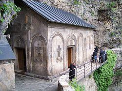 Mgvimevi church.jpg
