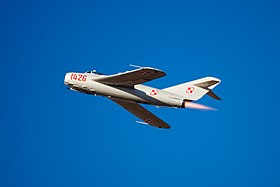 Un MiG-17 con insegne polacche all'Oregon International Air Show