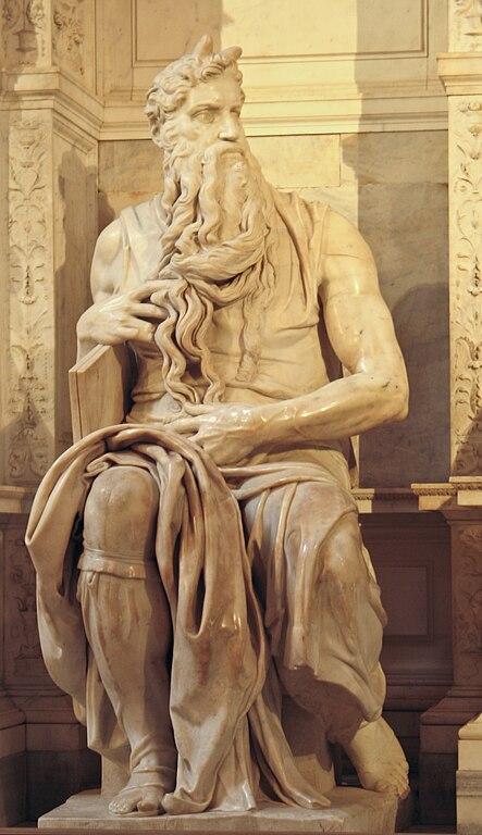 Michelangelova mramorová socha Mojžiša v Bazilike San Pietro, Rím, Taliansko