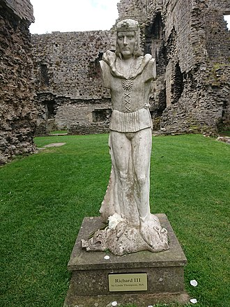 Middleham Castle - Modern statue of Richard III, who grew up at Middleham Castle, by Linda Thompson