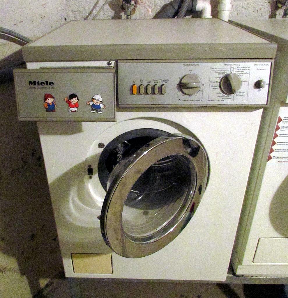 file miele waschmaschine 09 fcm jpg wikimedia commons. Black Bedroom Furniture Sets. Home Design Ideas
