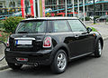 Mini Cooper II. Facelift rear 20101002.jpg