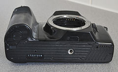 Minolta Dynax 7000i Analogue Film Camera, With Sigma 28-70mm Lens (8744228196).jpg