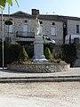 Monflanquin (47) Monument aux morts.JPG