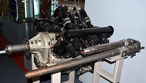 Moteur d avion Hispano Suiza type 8C 1917 DSC 0080.JPG