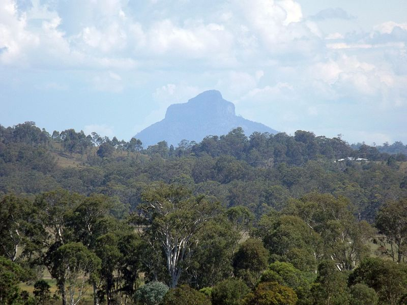 File:Mount Lindesday from Tamrookum, Queensland.jpg