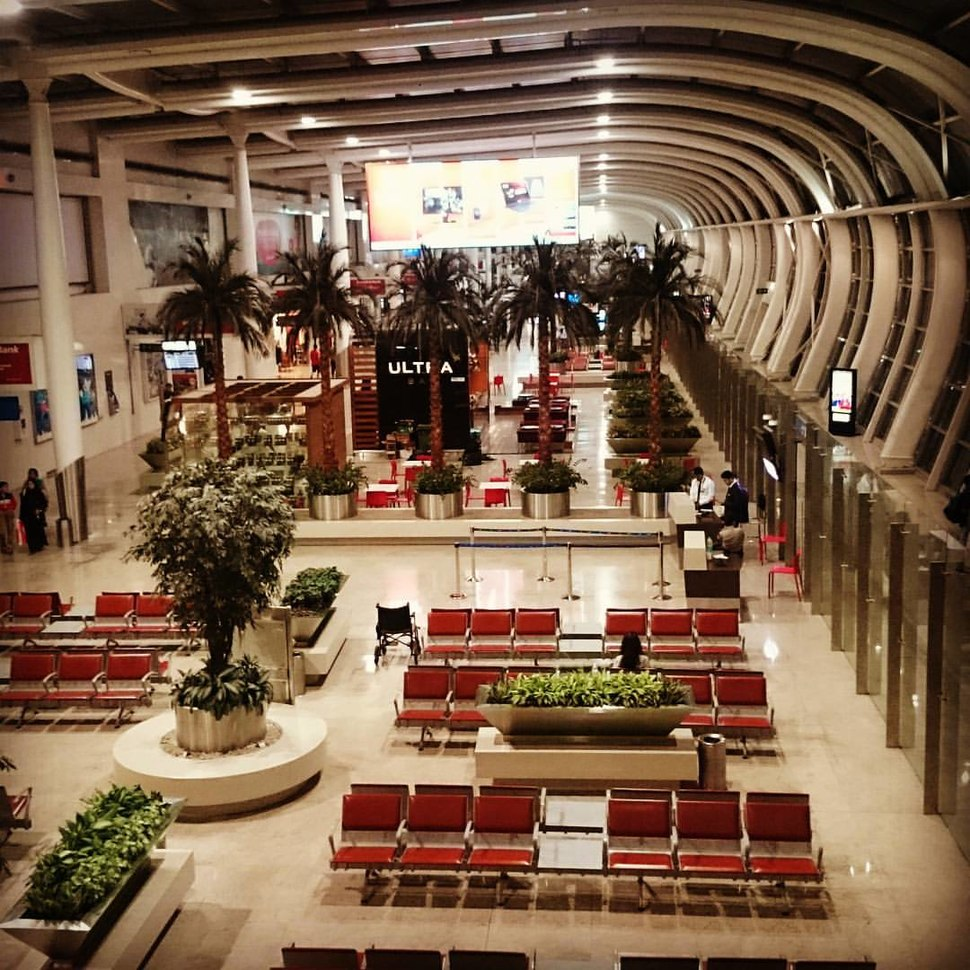 Mumbai Airport Terminal (21487573068)