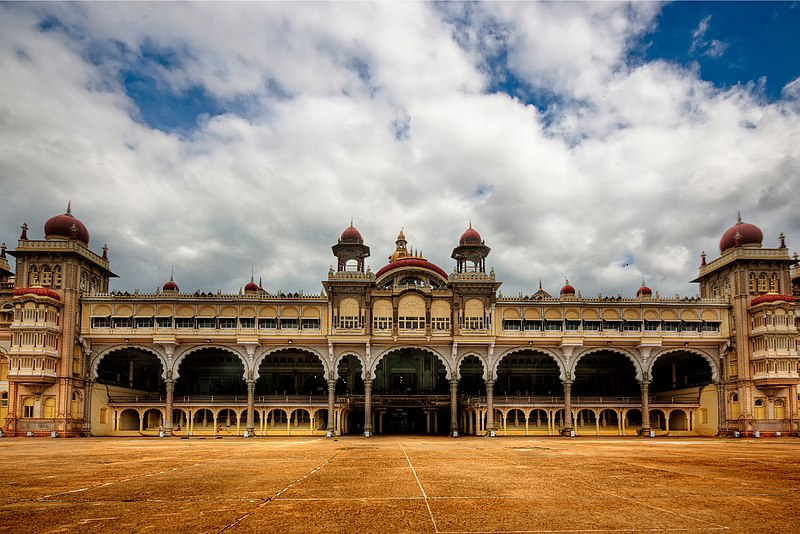 File:Mysore Palace S-KA-748.jpg
