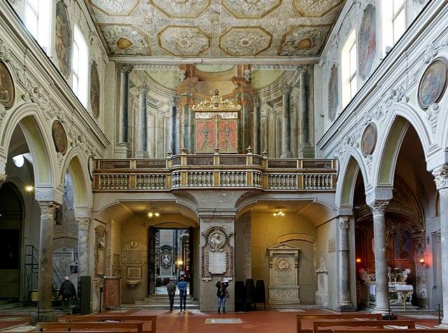 https://upload.wikimedia.org/wikipedia/commons/thumb/8/8d/Napoli_BW_2013-05-16_10-52-22_DxO.jpg/640px-Napoli_BW_2013-05-16_10-52-22_DxO.jpg