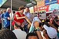 """Natal - RN - Eleitores rodearam """"Dilma Móvel"""" em corpo a corpo de candidata (4838383289).jpg"""
