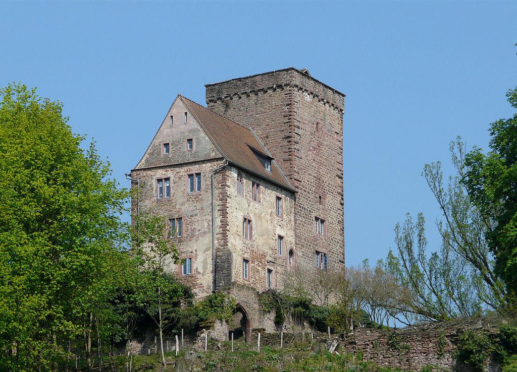 1024px-Neckarsteinach_Vorderburg.jpg