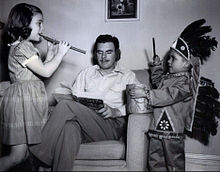 Nelson Olmsted and children 1947.JPG
