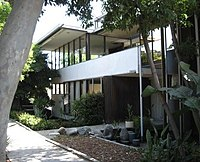 NeutraHouse004 cropped sm.jpg