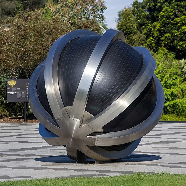 File:Neutrino Sculpture, Royal Botanic Gardens, Melbourne 2017-10-28.jpg