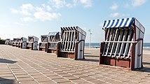 Norderney, Strandkörbe an der Strandpromenade -- 2016 -- 5182.jpg