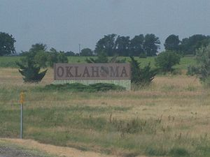 Interstate 35 in Oklahoma - The Oklahoma welcome sign entering the state from Kansas