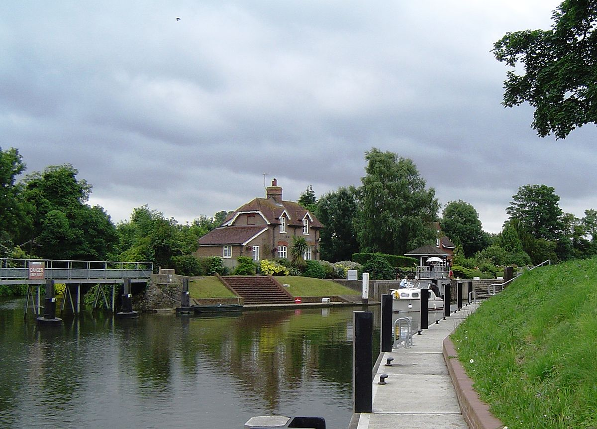Old Windsor Lock