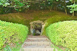 Oni-no-iwaya Kofun (Iki), entrance.jpg