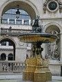 PA00117820-fontaine cours intérieure.jpg