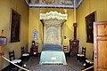Palazzo pfanner, alcova con letto a baldacchino del xvii secolo 01.jpg
