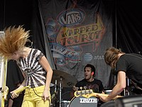 Paramore Warped Tour 2007.jpg