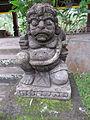 Patung di area Goa Gajah.jpg