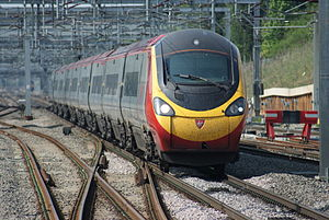 Pendolino at Milton Keynes Central.JPG