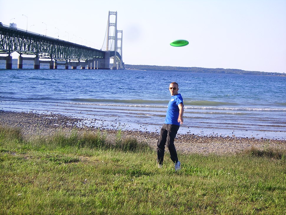Person throwing flying disc