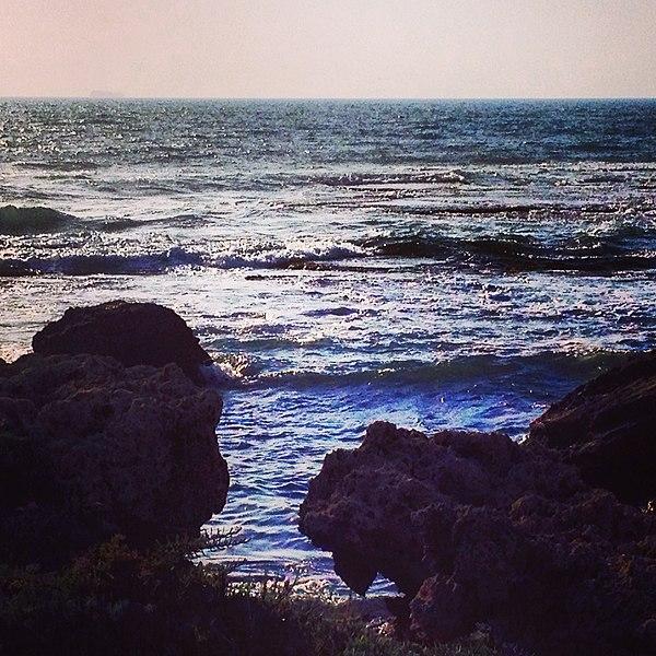 חוף בית ינאי בשקיעה