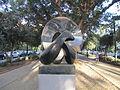 PikiWiki Israel 45056 Gordian Knot sculpture by Gidon Graetz in Tel Aviv.JPG