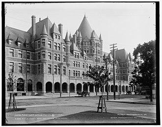 Place Viger - Image: Place Viger Hotel & station, Montreal