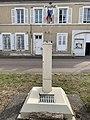Place de l'église (Sougères-en-Puisaye), avril 2019 - (6).jpg