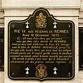 Plaque commémorative du vœu de Pie Ⅸ aux pélerins de Rennes dans l'église Saint-Aubin en Notre-Dame-de-Bonne-Nouvelle, Rennes, France.jpg