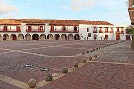 Plaza de la Aduana, Cartagena 02.jpg