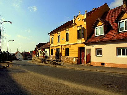 How to get to Pokratice with public transit - About the place