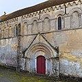 Porte latérale nord de l'église Saint-Germain de Cintheaux.jpg