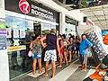 Possibilidade de um lock down leva pessoas aos supermercados em Manaus (Foto Juliana Pesqueira Amazônia Real) (50867171148).jpg