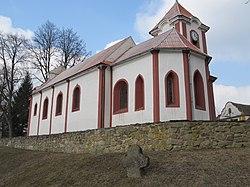 Prostiboř - kostel svatého Mikuláše a smírčí kříž.JPG