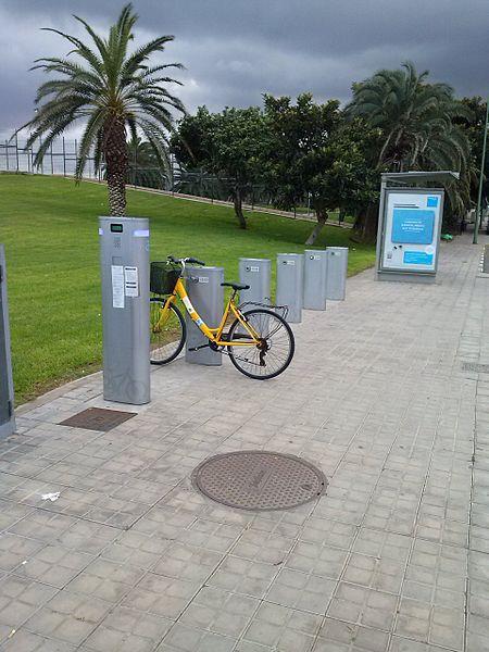 Archivo punto de recogida de bicicletas en las palmas de - Puntos limpios gran canaria ...