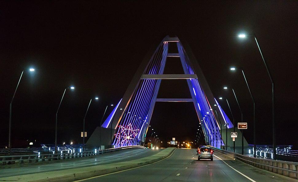 Purple Lowry Bridge, Minneapolis, Minnesota (27732598893)