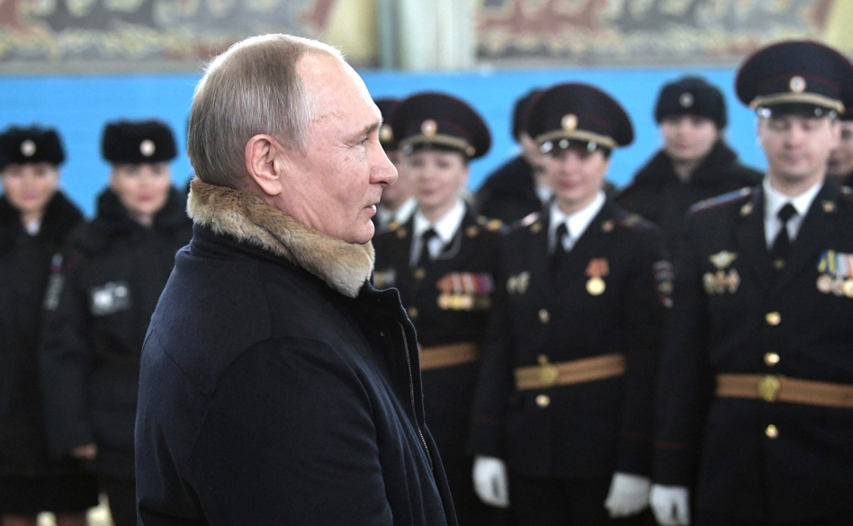 Putin congratulated the officers of the Moscow mounted police 03.png