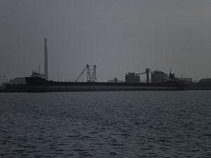 Quebecois moored in Toronto harbour, 2012 03 02 -e.jpg