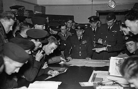 Wellington crews studying maps at a briefing with the station commander, September 1940 RAF Bomber Command 1940 HU104658.jpg