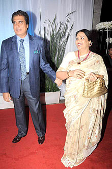 Raj Babbar, Nadira Babbar at Esha Deol's wedding reception 04.jpg