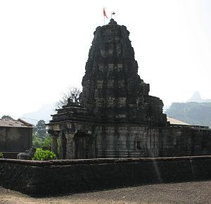 Hemadpanti architecture - Amruteshwar temple, Ratangad- an example of Hemadpanthi architecture