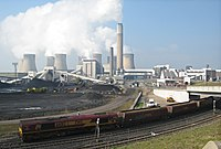 Ratcliffe-on-Soar Power Station with coal train, 26th March 2007.jpg